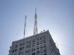 Expropiación de terrazas para instalación de antenas de telefóni